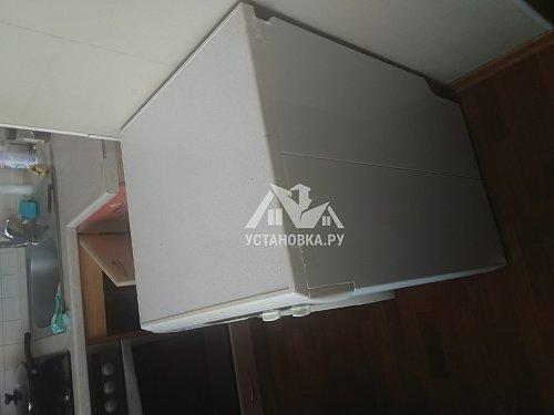 Установить стиральную машину Indesit IWUB 4085 на готовые коммуникации на кухне
