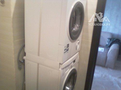 Установить стиральную и сушильную машину в колонну