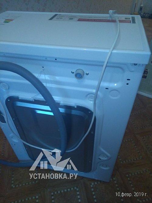 Установить на кухне отдельно стоящую стиральную машину LG