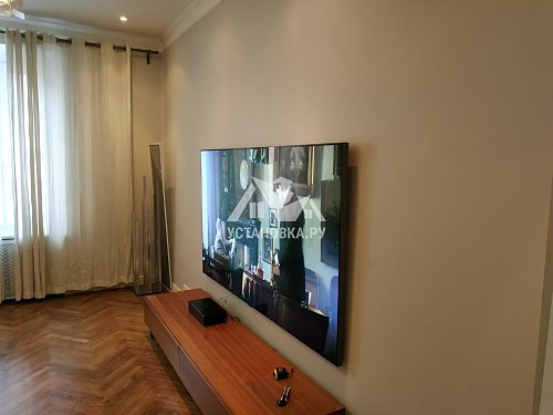 "Подвес телевизора 85"" на кирпичную стену"