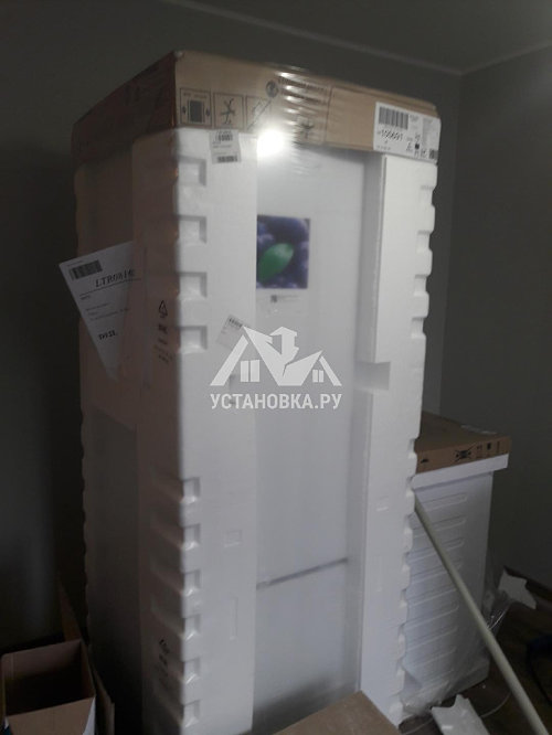 Установить новый холодильник Hotpoint Ariston
