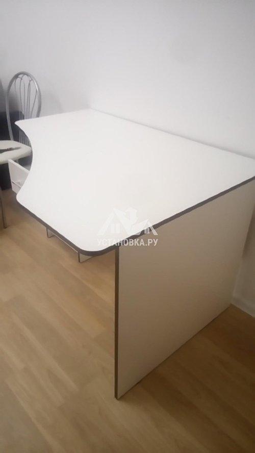Собрать в квартире новый компьютерный стол