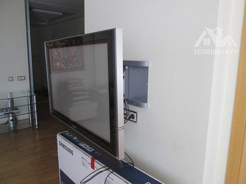 Установить телевизор на кронштейн Samsung UE50MU6100U
