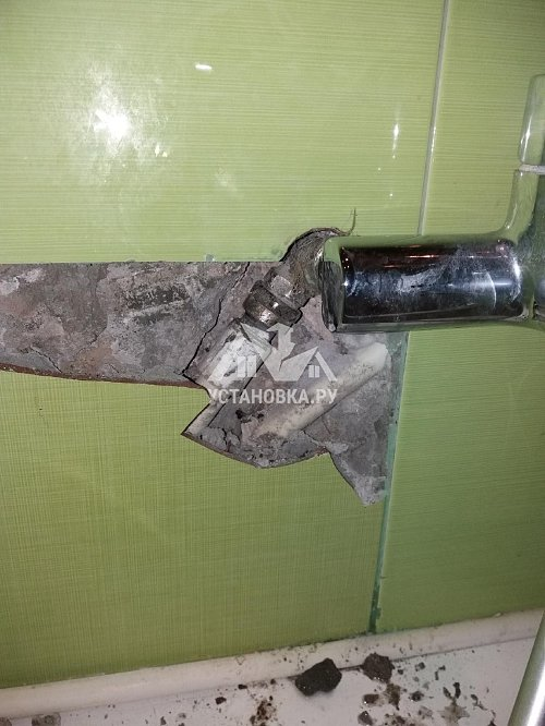 Заменить гофру сзади напольного унитаза в Долгопрудном