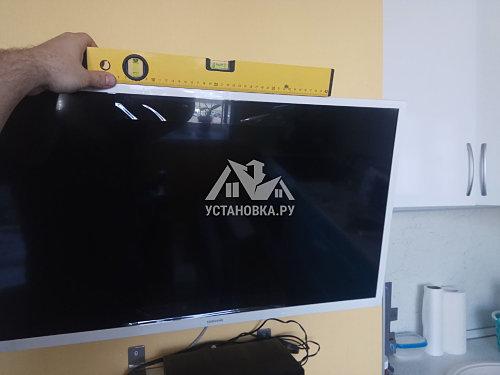 Установить накопительный водонагреватель на 30 литров и телевизор samsung