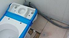 установка унитаза и навес бра в ванной комнате.