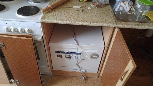 Установить компактную посудомоечную машину Bosch SKS 40E22