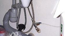 Демонтировать и установить смеситель на кухне