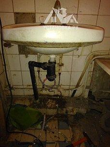 Заменить гибкую подводку на смесителе в ванной