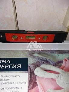 Установить новую стиральную машину Hotpoint-Ariston отдельно стоящую на кухне