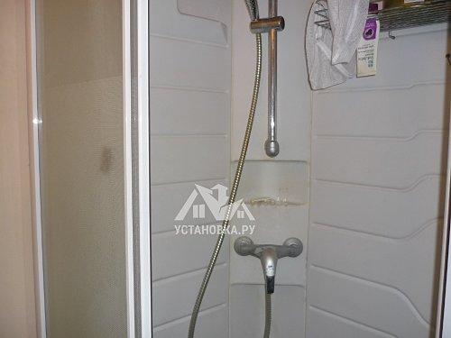 Установить водонагреватель проточный Electrolux