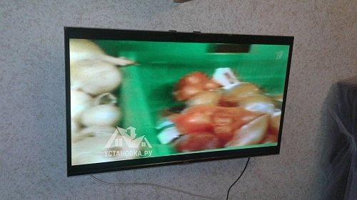 Навесить телевизор TCL