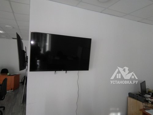 """Навесить телевизоры LG диагональю 49"""" на с стену"""