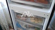 Перевесить двери на холодильнике с дисплеем