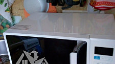 Установить на кронштейны микроволновую печь