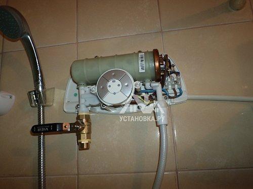 Установить проточный водонагреватель Electrolux SMARTFIX в ванной