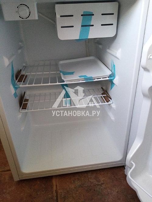 Установить отдельностоящий компактный холодильник Kraft BC 75