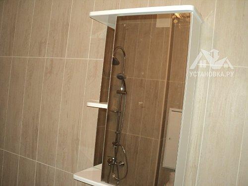 Навесить зеркало в ванной