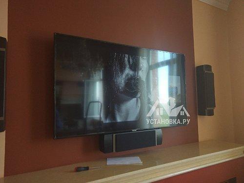 Установить телевизор Samsung UE65NU7100UXRU на кронштейн