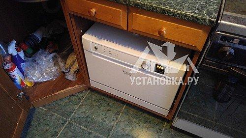 Установить компактную посудомоечную машину на столешнице