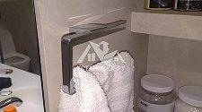 Установить аксессуары в ванной комнате