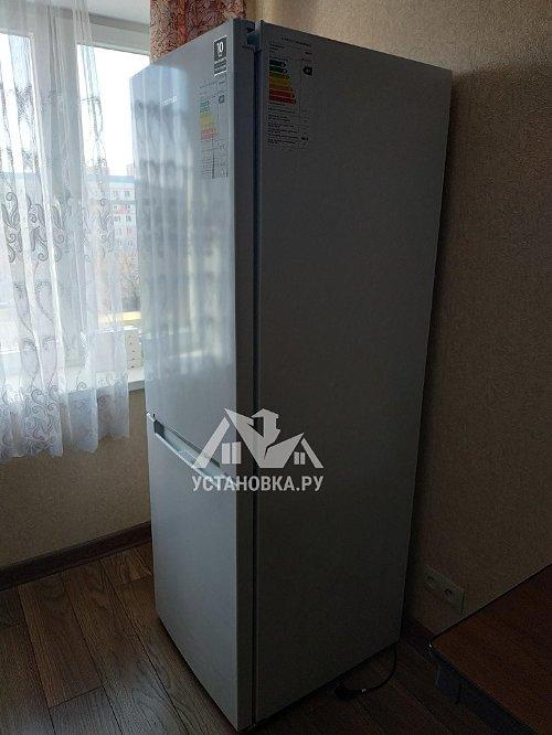 Установить бытовой холодильник