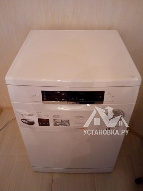 Установить отдельно стоящую посудомоечную машину Bosch SMS44GW00R