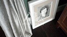 Повесить картины размером 40 см. и собрать стулья на металлическом каркасе
