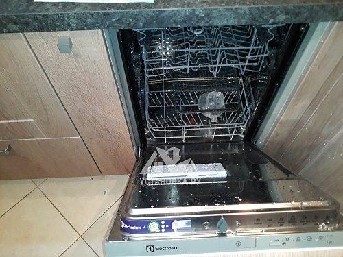 Установить новую встраиваемую посудомоечную машину Electrolux ESL 94200 LO