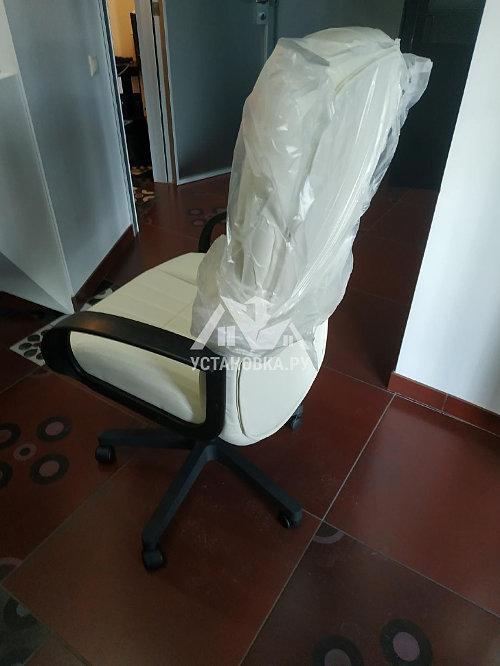 Собрать компьютерное кресло в квартире