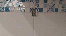 Навесить в ванной комнате шкафчик