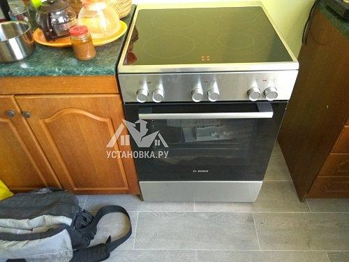 Установить новую электрическую плиту Bosch HKA090150