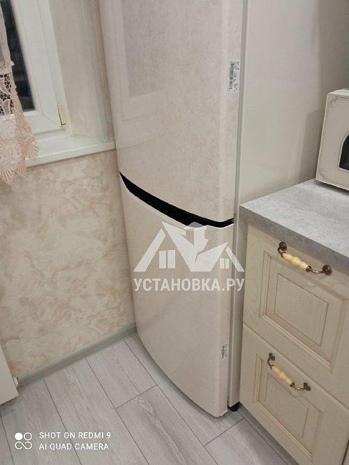Перевесить двери на отдельно стоящем холодильники с дисплеем