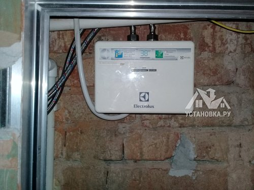 Подключить проточный водонагреватель Electrolux в водоснабжение