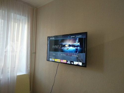 Навесить телевизор Samsung ue40j5200au