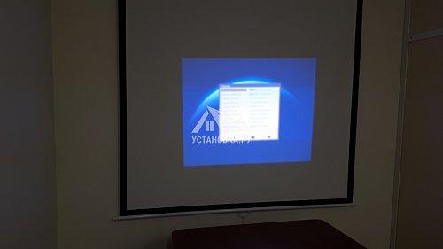 Навесить экран для проектора в районе Проспекта Вернадского