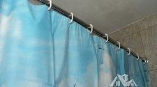 Установить штангу для душевой шторки в ванной
